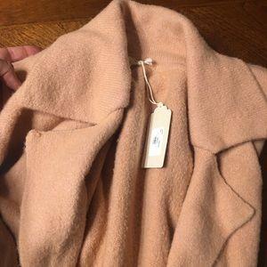 Gorgeous cardigan coat/ 🍑 Size: M/L